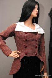 Braune Jacke mit weißem Kragen, um 1790