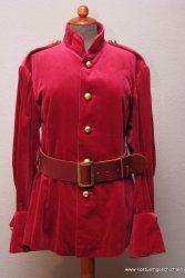 Rote Samtjacke, Soldat